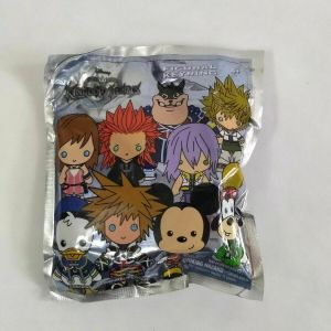 (1) NEW SEALED MYSTERY BLIND BAG DISNEY KINGDOM HEARTS FIGURE 3D KEY CHAIN
