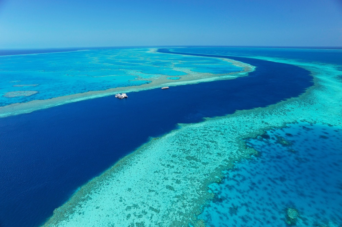 A supplied image obtained Tuesday, Sept. 22, 2015 of Australia's Great Barrier Reef as seen from above. (AAP Image/Hamilton Island) NO ARCHIVING, EDITORIAL USE ONLY