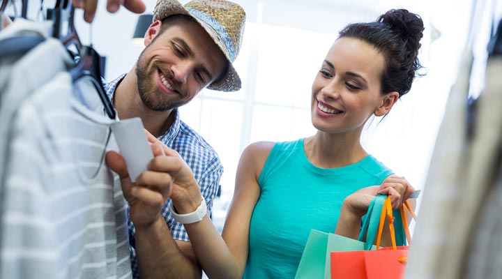 Do's and Don'ts while Shopping with girlfriend