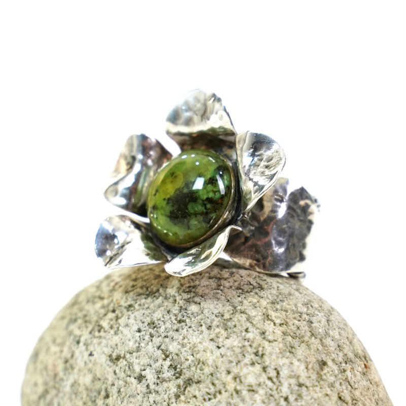 Sterling Silver Sculptural Flower Ring with Gemstone Size 7.25
