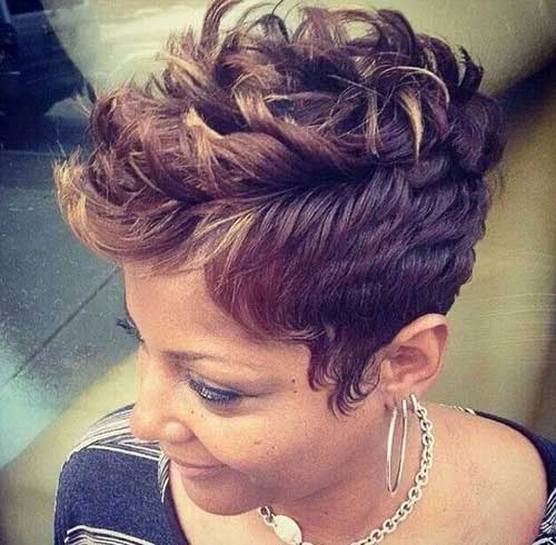 Short Curly Trendy Hairstyle