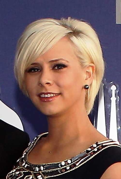 15 Short Hairstyles For Fine Straight Hair Short