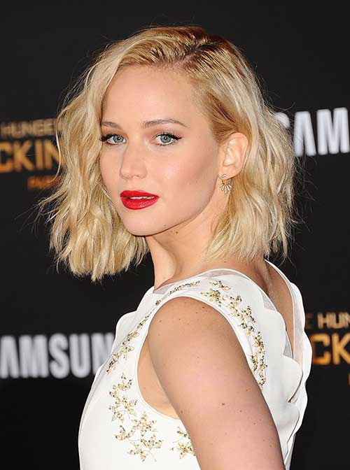 Jennifer Lawrence Wavy Bob Hairstyle