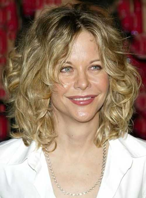 Best Blonde Curly Short Hairstyles For Oval Faces
