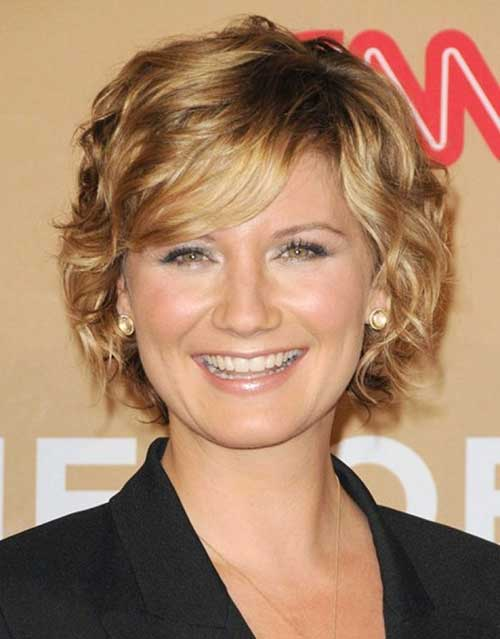 Short Blonde Curly Hairstyles For Round Faces