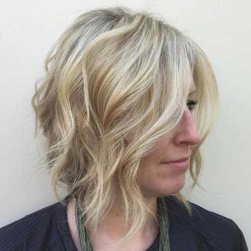 Blonde Highlighted Layered Bob Haircut