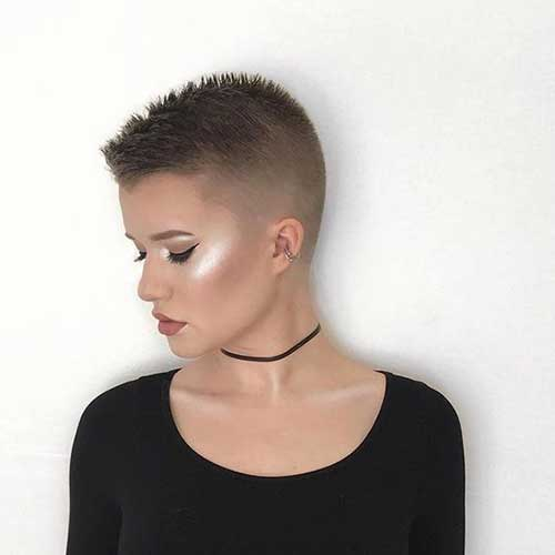 25 Super Short Haircuts for Captivating Ladies - crazyforus