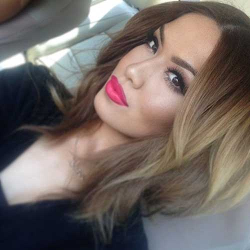 Shoulder Length Hair With Blonde Ombre Style