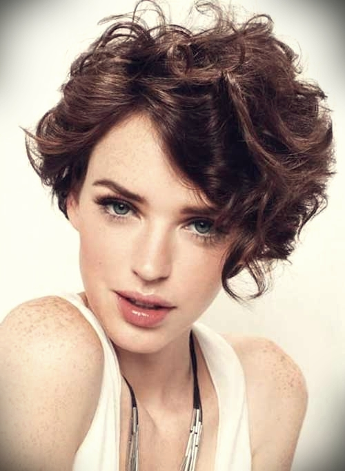 curly-short-hairstyles-oval-faces-10
