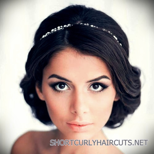 curly-short-hairstyles-square-faces-28