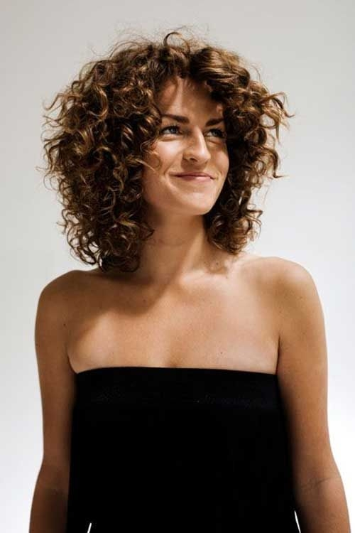 Cool Haircut for Wavy Frizzy Hair