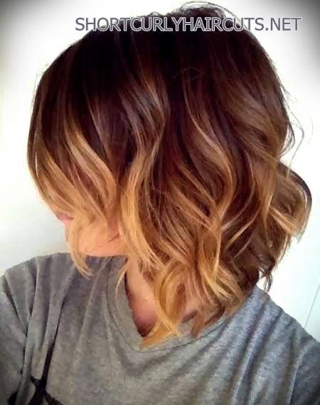 haircuts-medium-wavy-hair-19