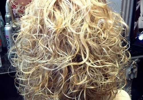 35+ Best Hairdos for Curly Hair - hairdos for curly hair 19