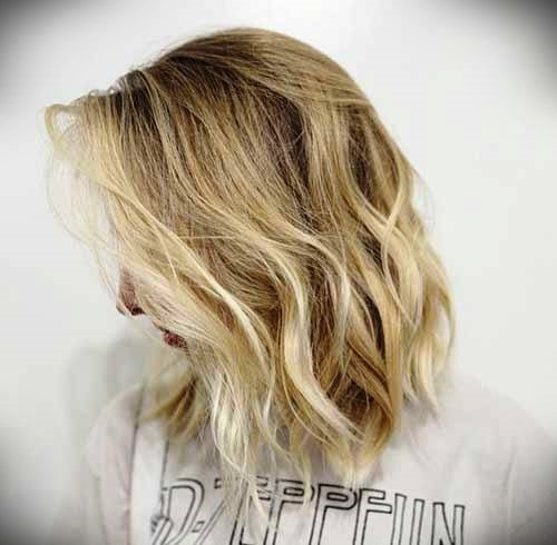 short-blonde-curly-hair-28
