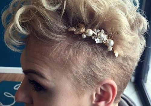 Short Curly Hairstyles for a Wedding - short curly hairstyles wedding 11