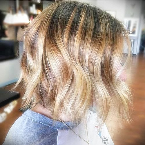 short-hairstyles-for-thick-wavy-hair11