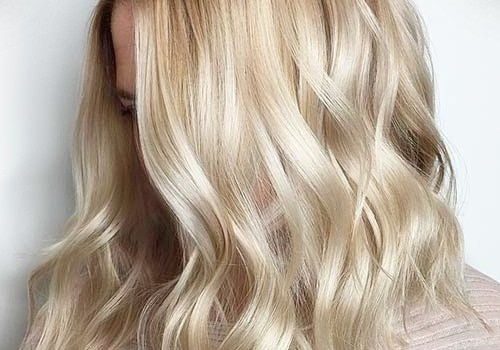 +25 Best Short Hairstyles for Thick Wavy Hair - short hairstyles for thick wavy hair15