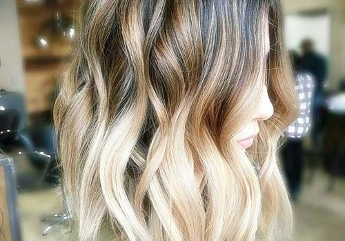 +25 Best Short Hairstyles for Thick Wavy Hair - short hairstyles for thick wavy hair6