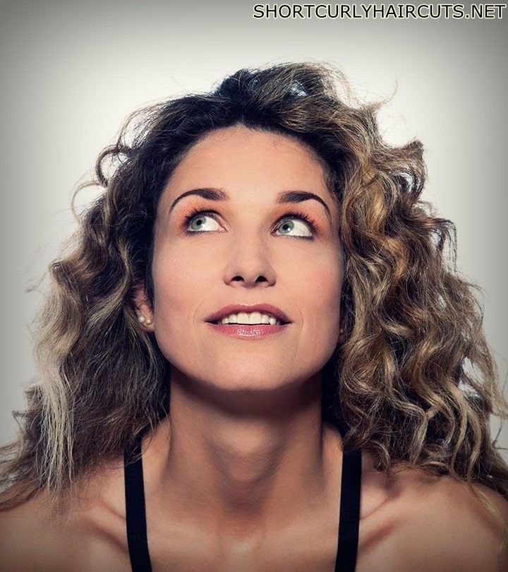 curly hairstyles women over 40 17 - The Different Curly Hairstyles for Women over 40