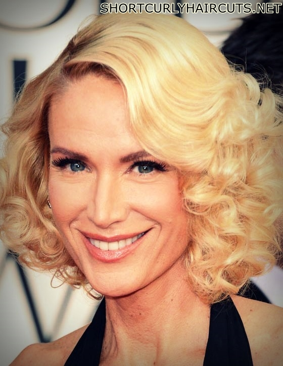 curly hairstyles women over 40 7 - The Different Curly Hairstyles for Women over 40