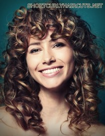 Amazing Layered Hairstyles for Curly Hair - layered hairstyles curly hair 8