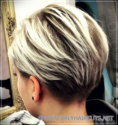 short haircuts for thick hair 18 - 6 Alluring Short Haircuts For Thick Hair
