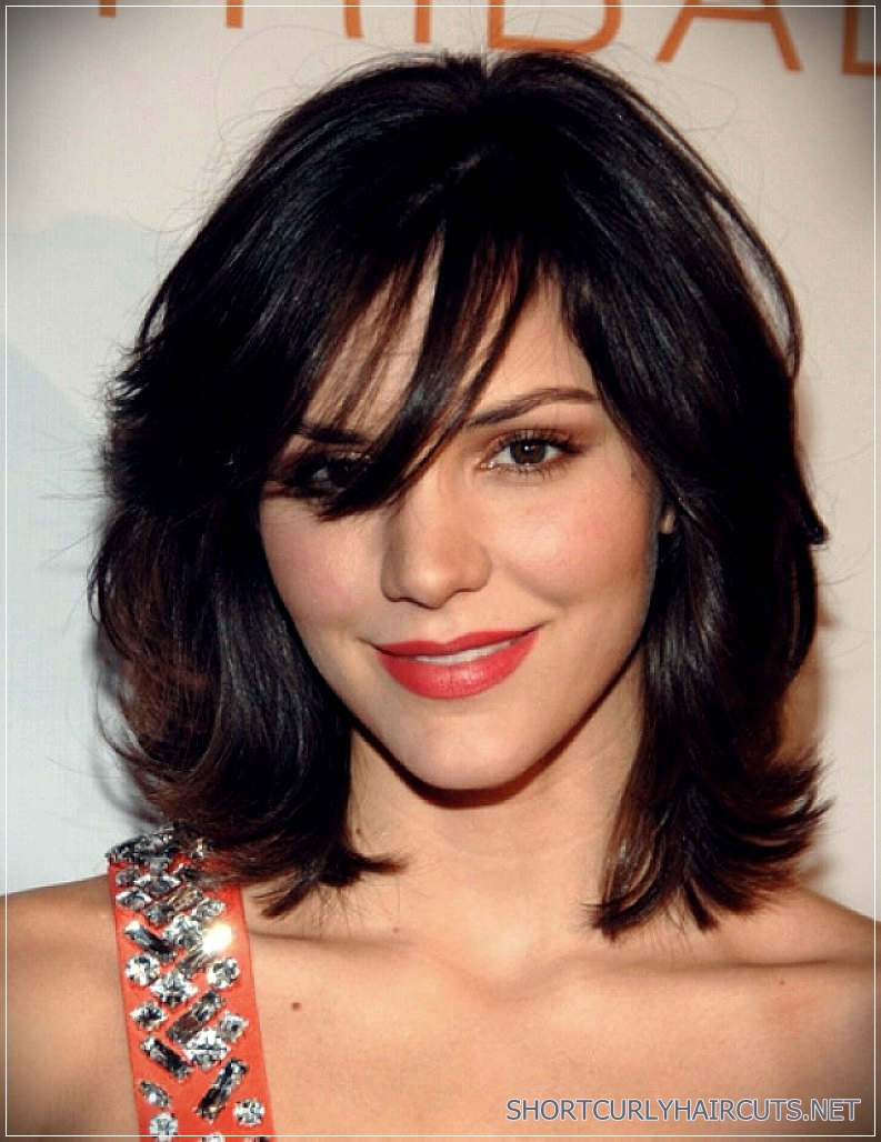 6 Alluring Short Haircuts For Thick Hair - short haircuts for thick hair 8