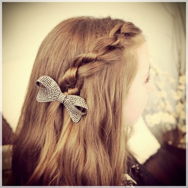 DIY: Fast and easy hairstyles - styling ideas with instructions - DIY fast and easy hairstyles 9
