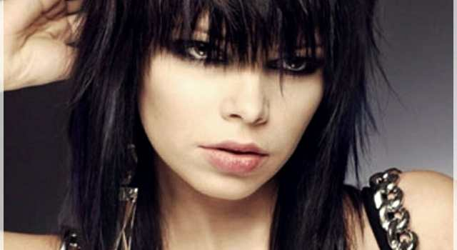 Why getting bangs will never go out of fashion? - layered haircut with bangs 12