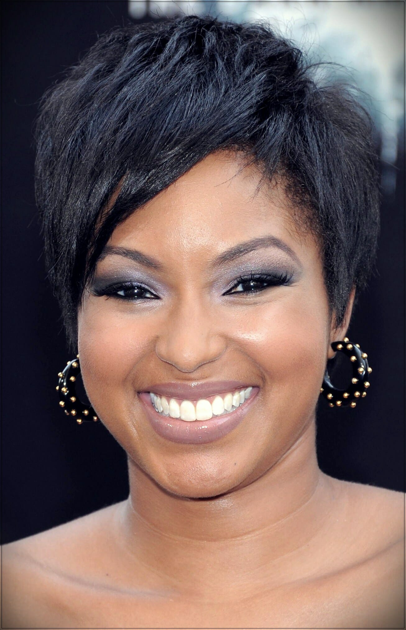 short hairstyles for round faces 12 - Correct hairstyles for your face type