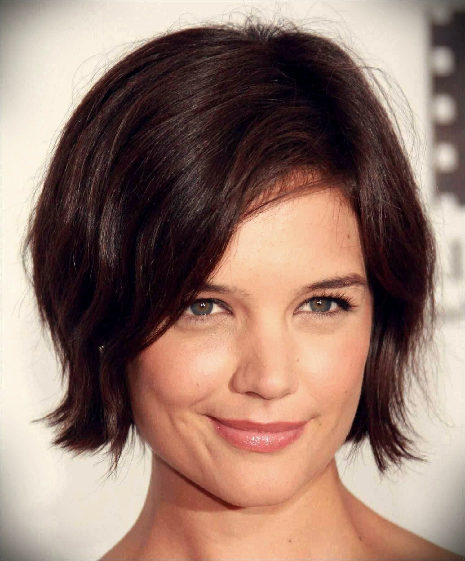 short hairstyles for round faces 2 - Correct hairstyles for your face type
