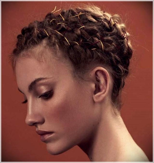 Hairstyles autumn winter 2019: photos and ideas - Hairstyles autumn winter 2019 25