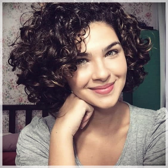 Curly or Wavy Haircuts 2019 - Curly or wavy haircuts 2019 16