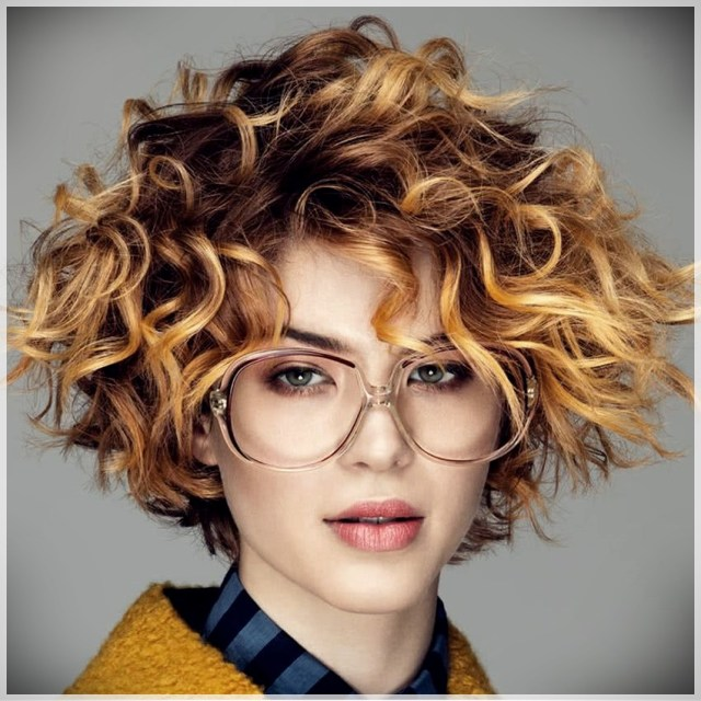 Curly or Wavy Haircuts 2019 - Curly or wavy haircuts 2019 19