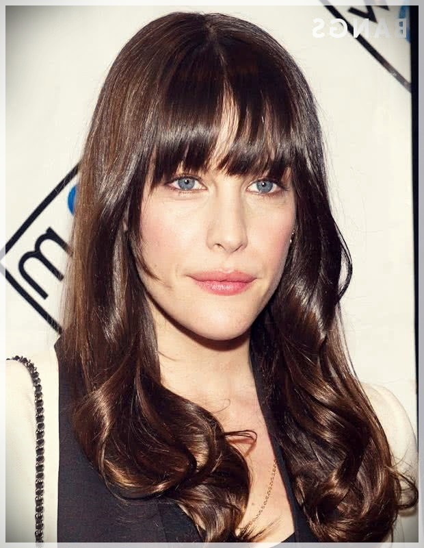 Haircuts with bangs 2019: photos and trends - Haircuts with bangs 2019 46