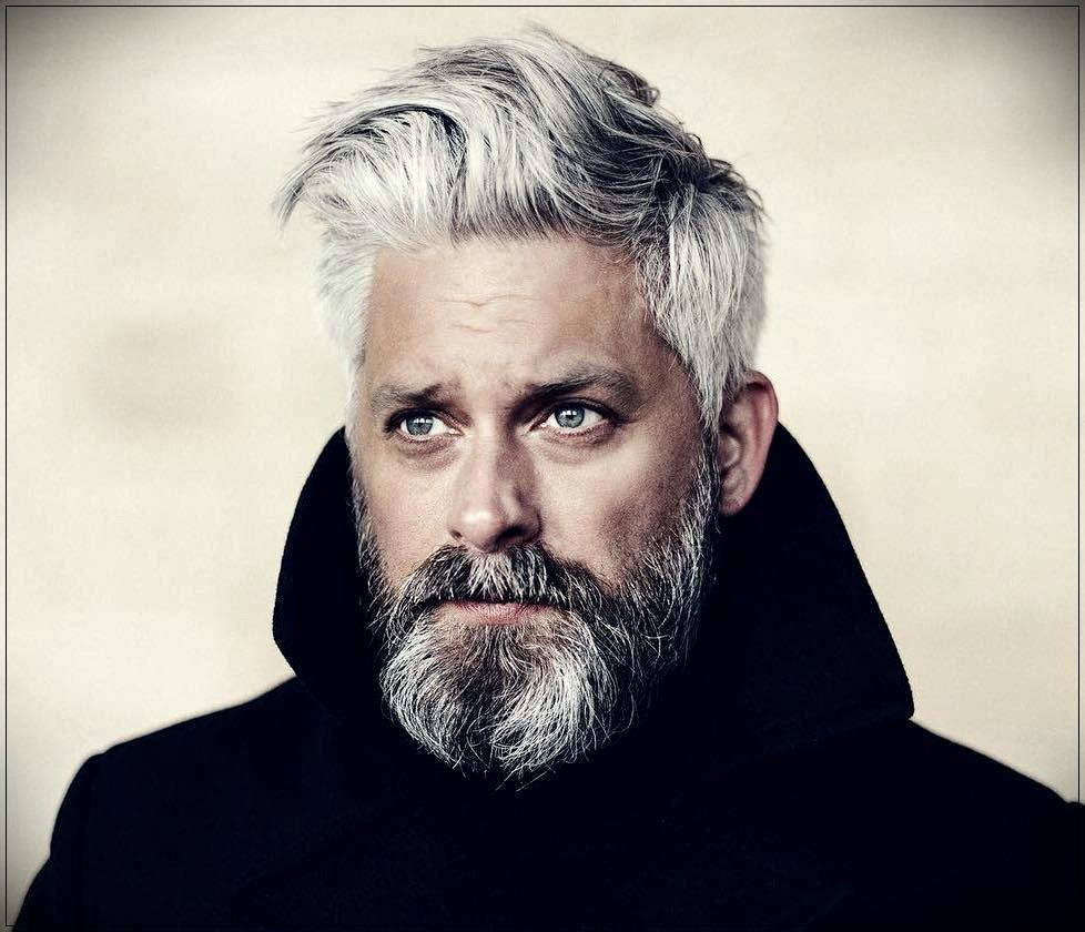 Gray hair man: trends, colors and shades of 2019 - gray hair man 11