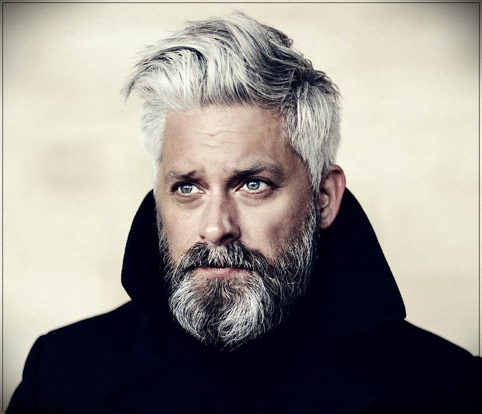 Gray hair man: trends, colors and shades of 2019 - gray hair man 11