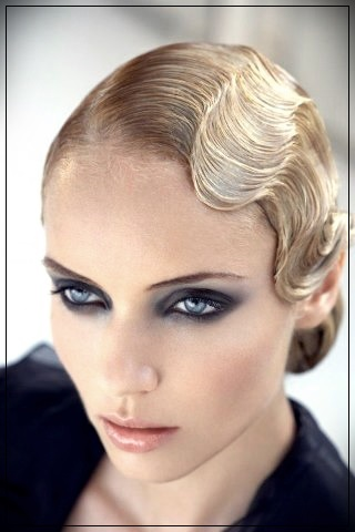 Trendy hairstyles for short hair quickly and beautifully. Elegant stacking options - hairstyles for short hair 5