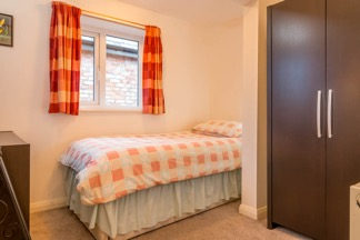 Very Nice Single Bedroom
