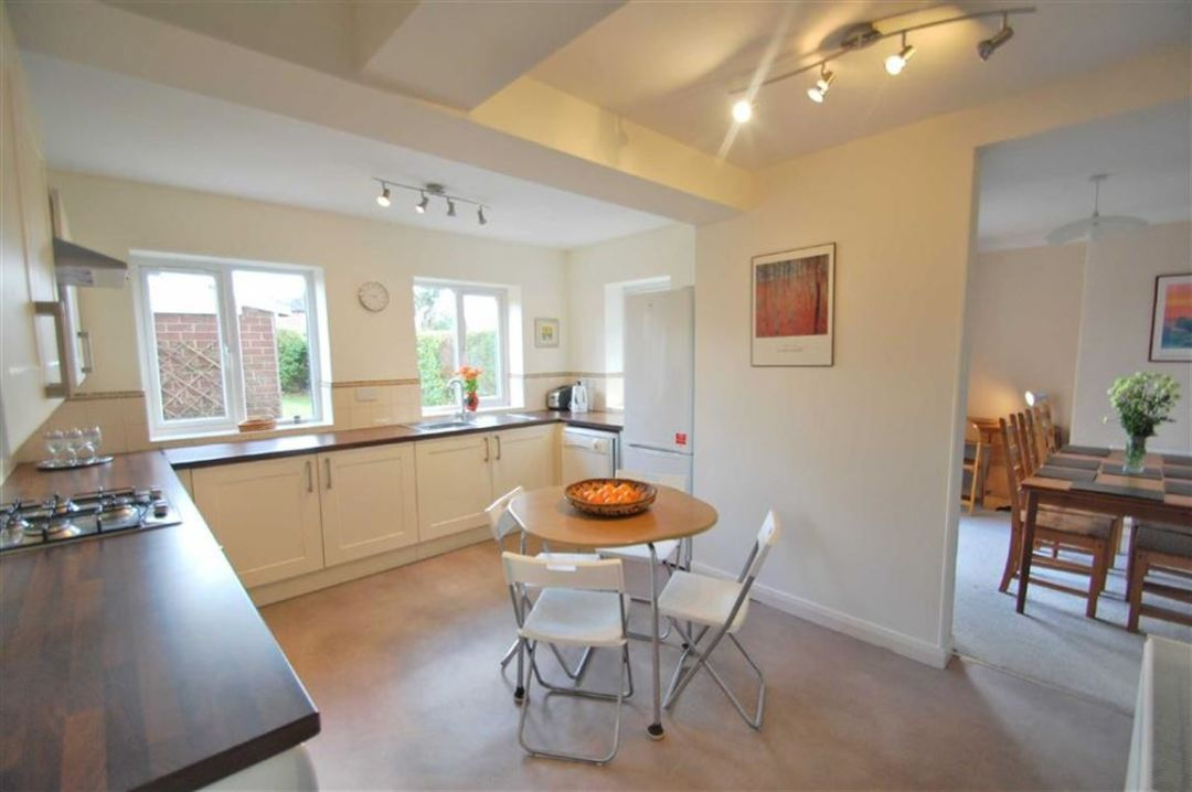 Short Rentals Wilmslow Kitchen Area