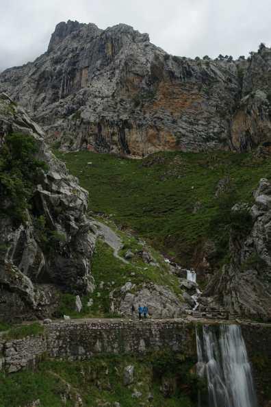 Crossing a cascade
