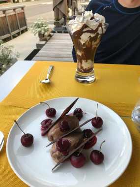 Chocolate mousse and a sundae