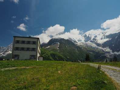 Hotel Bellevue and Mont Blanc