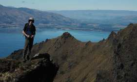 Kyle on the Isthmus Peak trail, Lake Hawea in the background