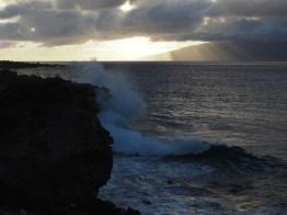 Wave at Makaluapuna Point