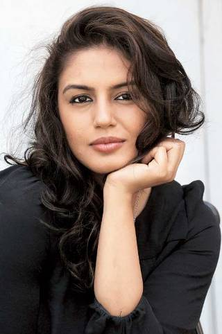 Huma-Qureshi-showbizbites