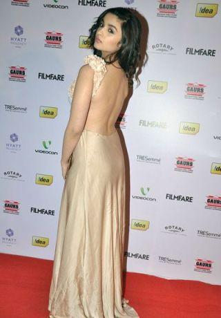 alia at 58th filmfare nominations-showbizbites