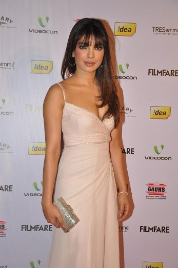 priyanka at 58th filmfare nominations-showbizbites