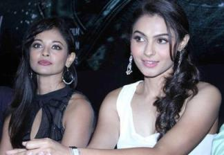 andrea and pooja-showbizbites