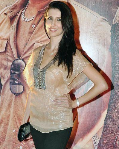 Claudia-Ciesla at Zila premiere-showbizbites